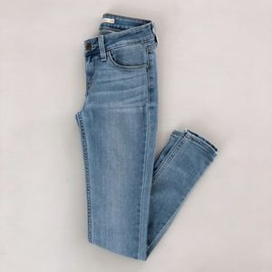 Levi's 535 Super Skinny Light Wash Jeans 24